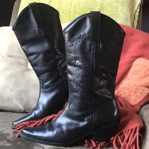 Matisse cowgirl boot with cut outs